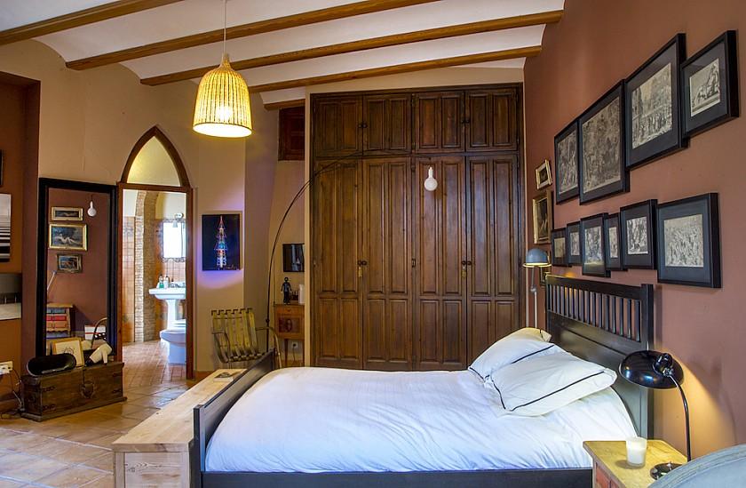 Habitación de matrimonio con baño suite Muralla de  Pego