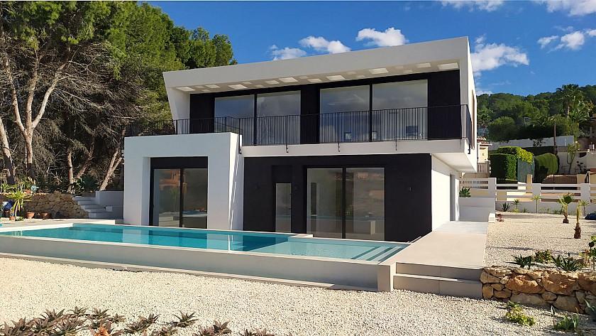 VILLA DE STYLE MODERNE AVEC 4 CHAMBRES ET PISCINE À CALPE - Cabrera Fine Properties