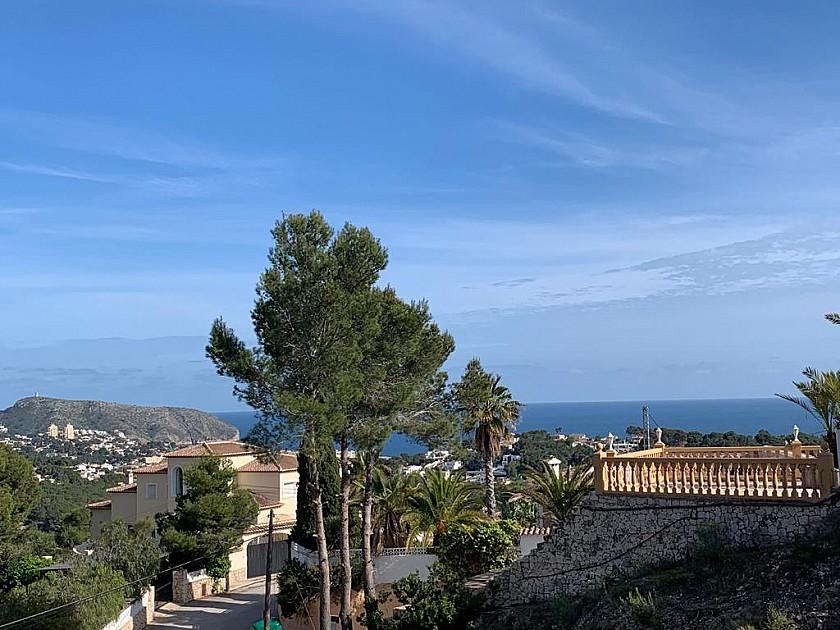 Vistas al mar desde proyecto villa estilo moderno en Moraira