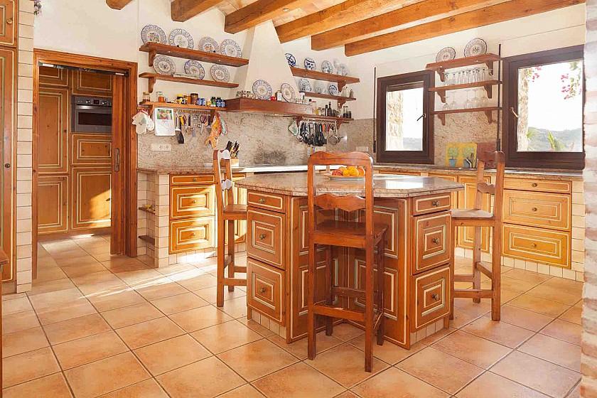 Cocina rústica en villa de lujo. Benissa.