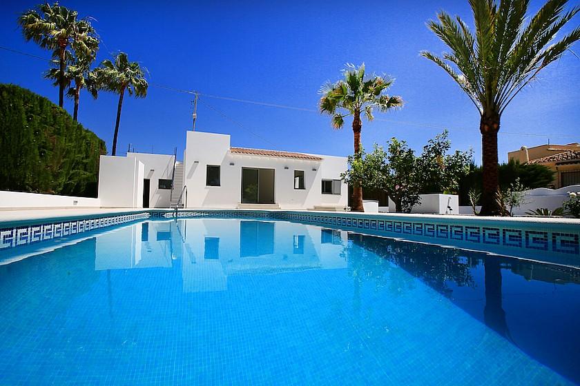 MODERN STYLE VILLA WITH 3 BEDROOMS IN BENISSA - Cabrera Fine Properties
